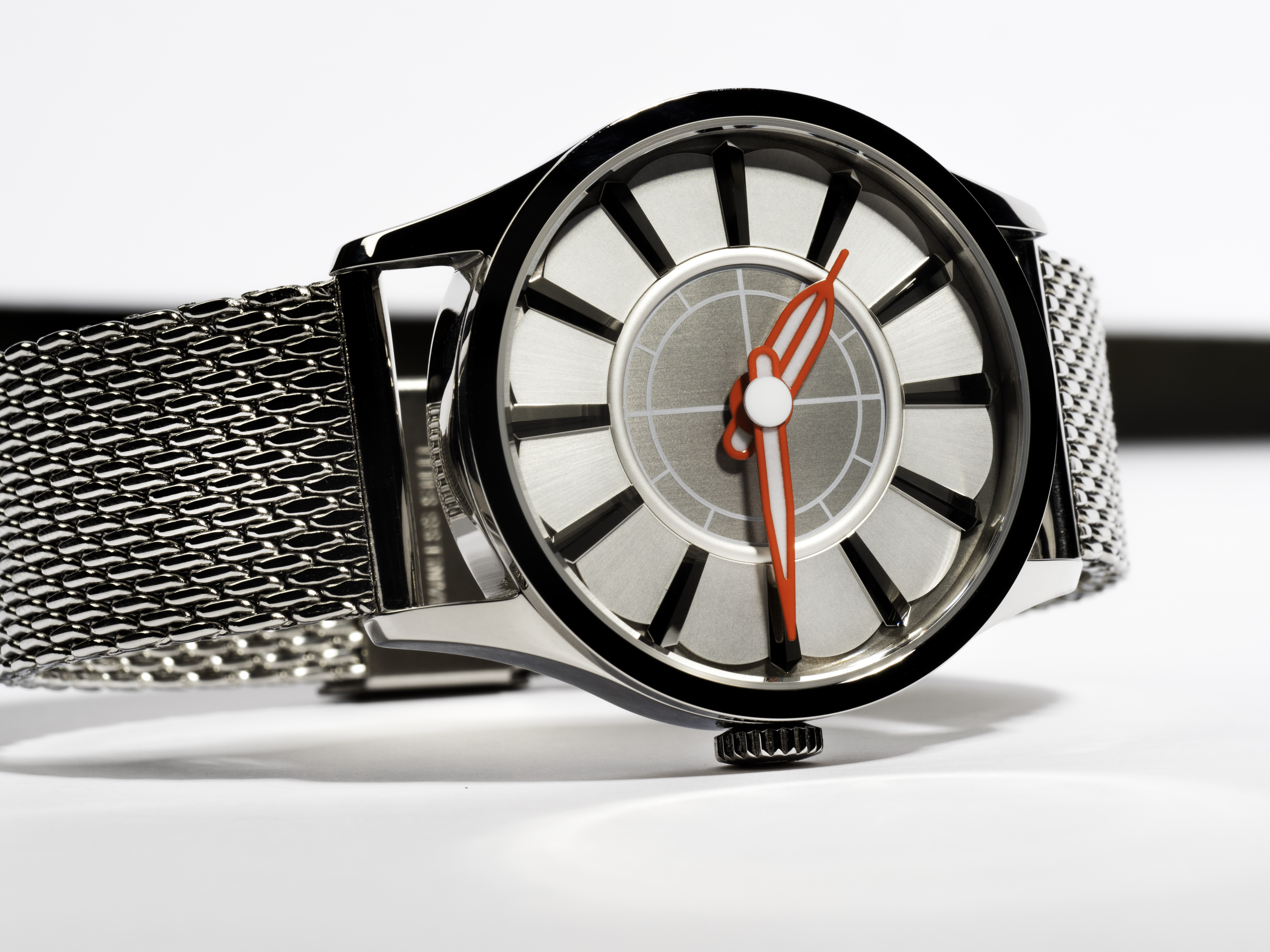 CUT-Watch-front.jpg#asset:1486